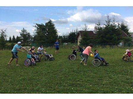 Sommerferien für die Kinder aus dem Kinderheim Nr. 4 in Pawlowsk