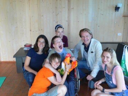 Sankt Petersburg: Besuch des Kinderheims Nr. 4 in Pawlowsk und des Sommercamps in Luga