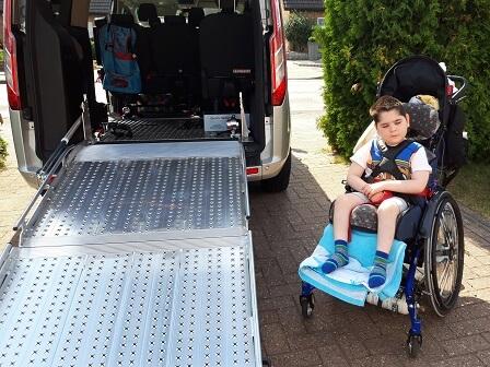 Ein Fahrzeug für ein krankes Kind und seine große Familie