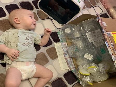 Hustenassistent für ein Baby mit SMA